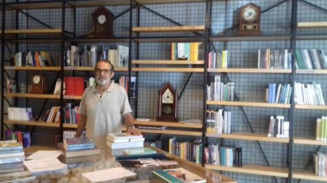 Humberto Cavez in Ancora EE - the newest book store in town